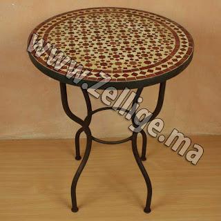 Table en zellige ronde marron et beige zellige marocain carreaux zelliges moroccan zellij - Table de jardin en zellige ...