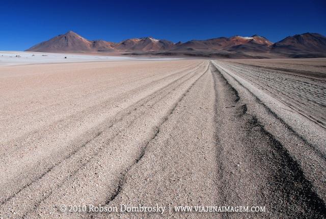 estrada no deserto boliviano de sud lipez