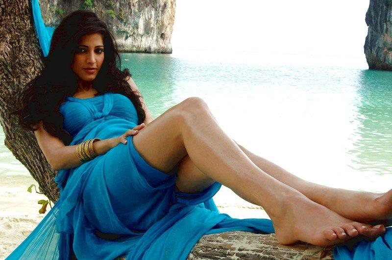 Shruti Hassan Hot Unseen Pics