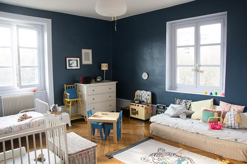 chambre bleu canard et blanche ilovequeencharlotte une chambre de pe s garons una - Chambre Bleu Marine Et Blanche