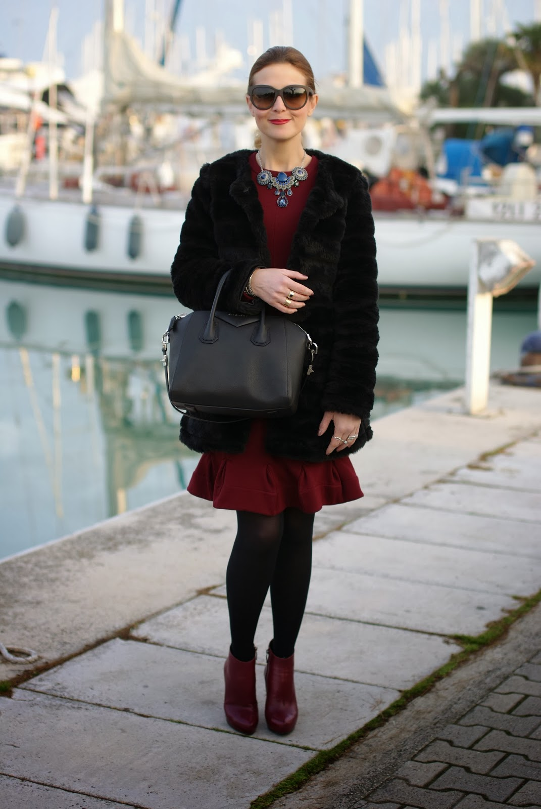 Black faux fur coat, Carven burgundy dress, Givenchy Antigona bag, Icone burgundy boots, Fashion and Cookies, fashion blogger