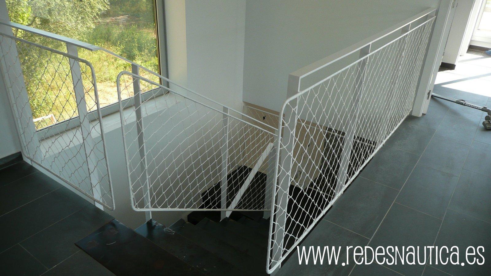 Redes n utica red de protecci n para escaleras - Proteccion escaleras ninos ...