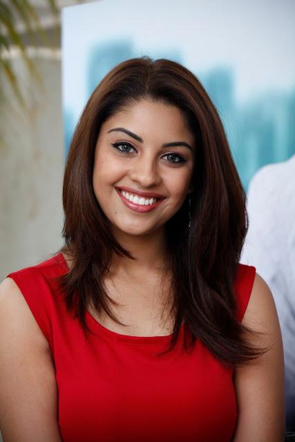 Richa Gangopadhyay weight