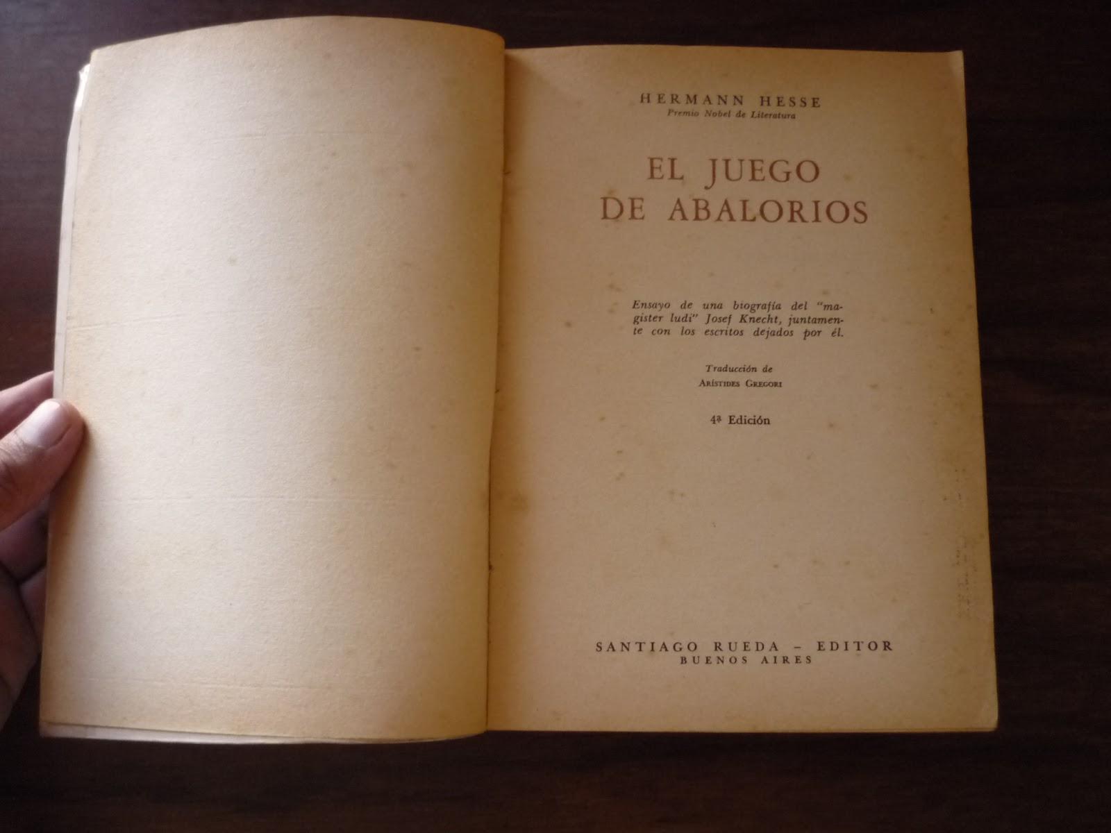 """Nadie está seguro en qué consiste exactamente este juego, central en la  novela de Hermann Hesse, """"El juego de abalorios"""". El autor da algunas  pistas, ..."""