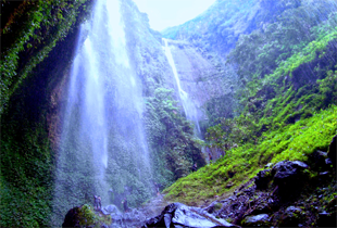 Bromo Madakaripura Waterfall Tour 3 days 2 nights