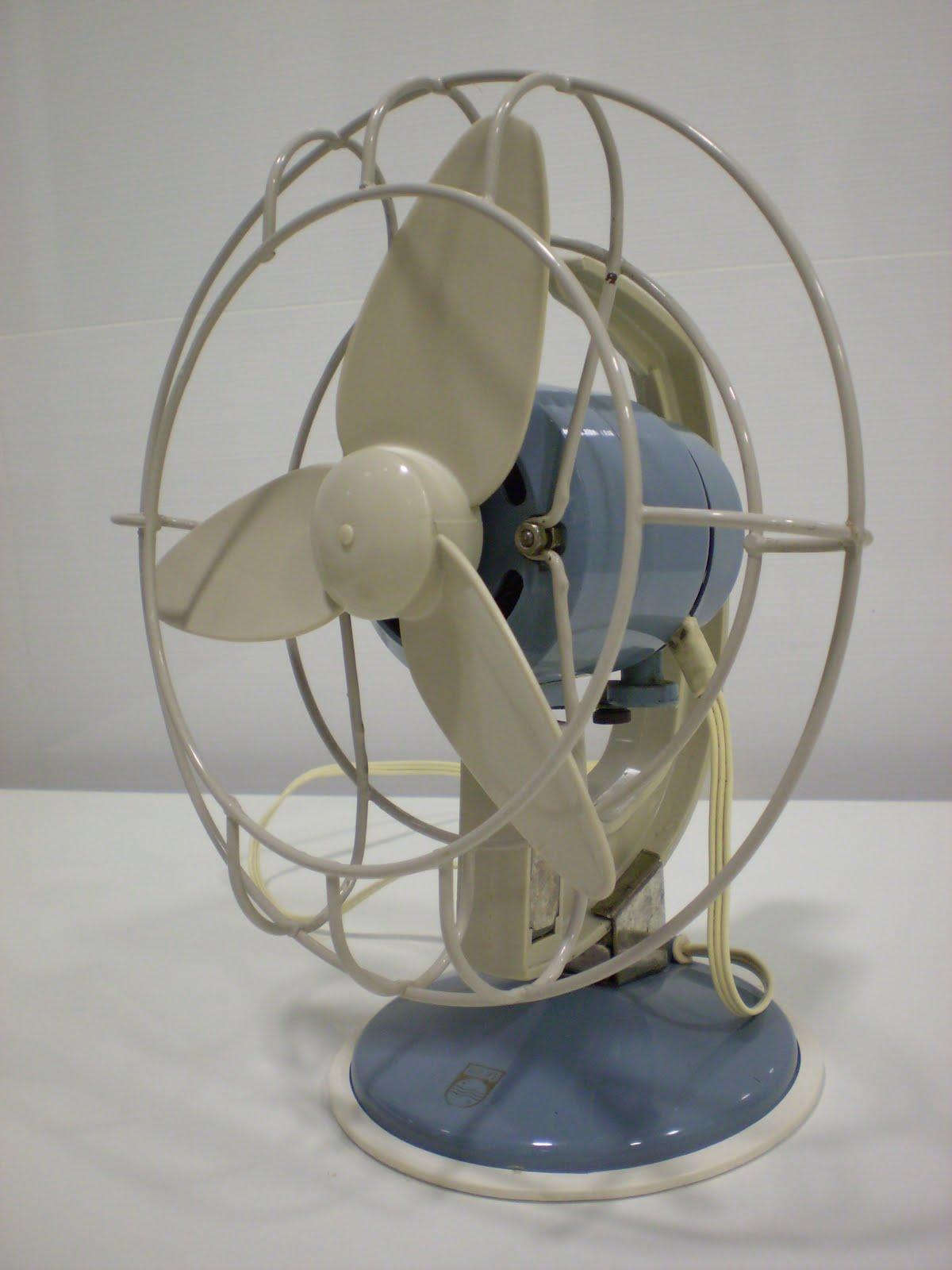 Vintager a ventilador philips azul y crema a os 50 - Fotos de ventiladores ...