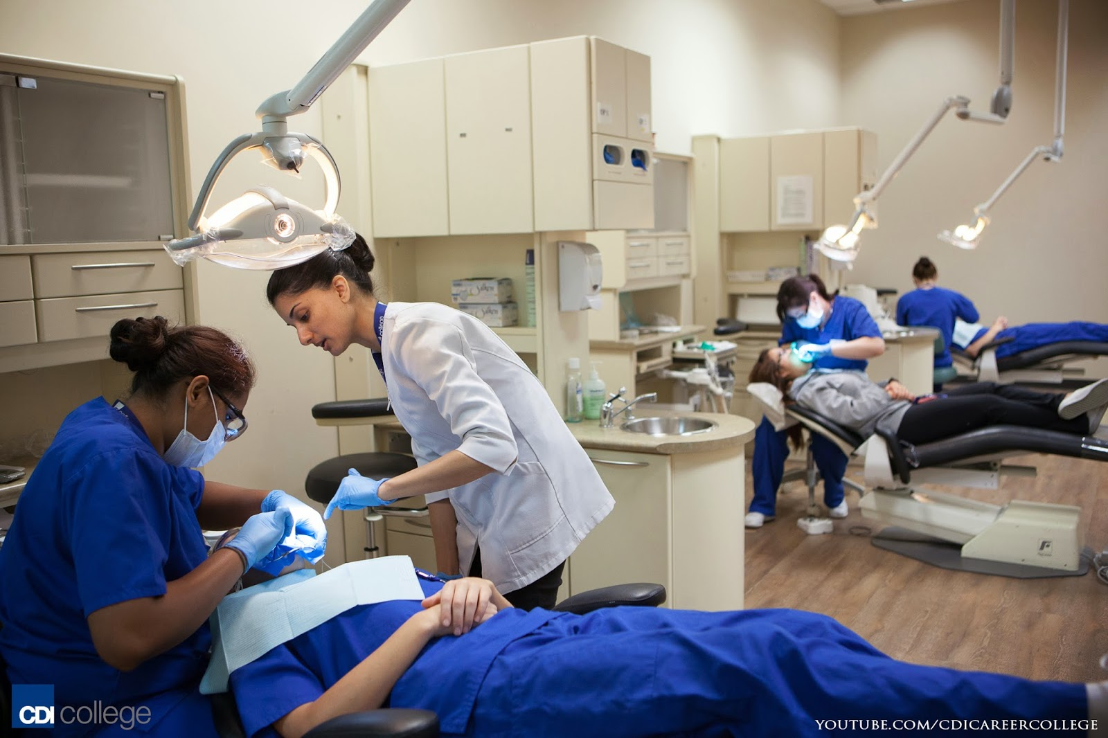 Dental Assistant subject university