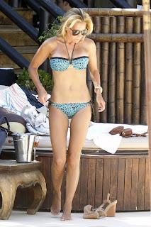 Sylvie van der Vaart shows off her Bikini Body in Marbella