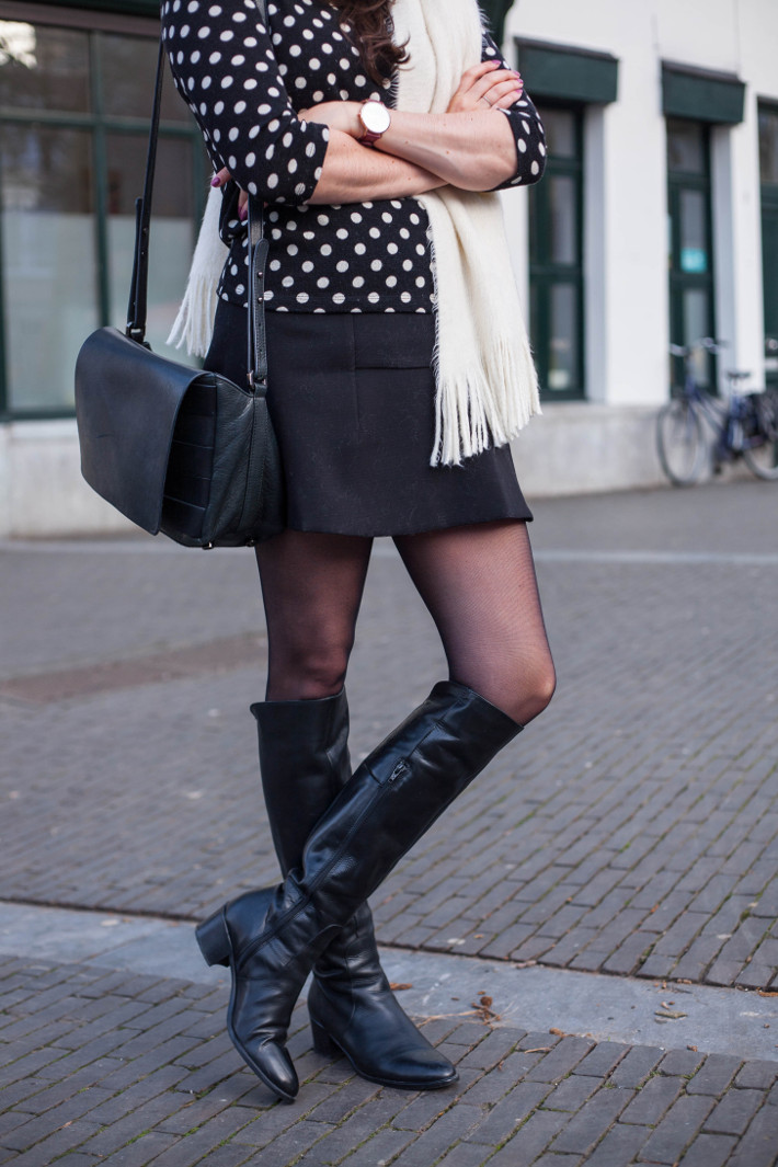 Outfit: 60s retro in polkadots, mini skirt and overknee boots