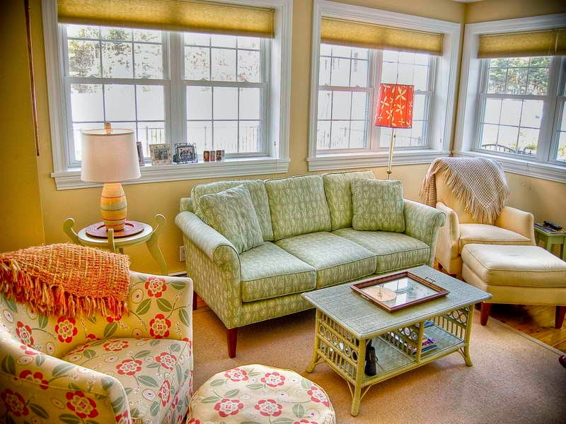 Country cottage living room furniture Cottage decorating ideas living room