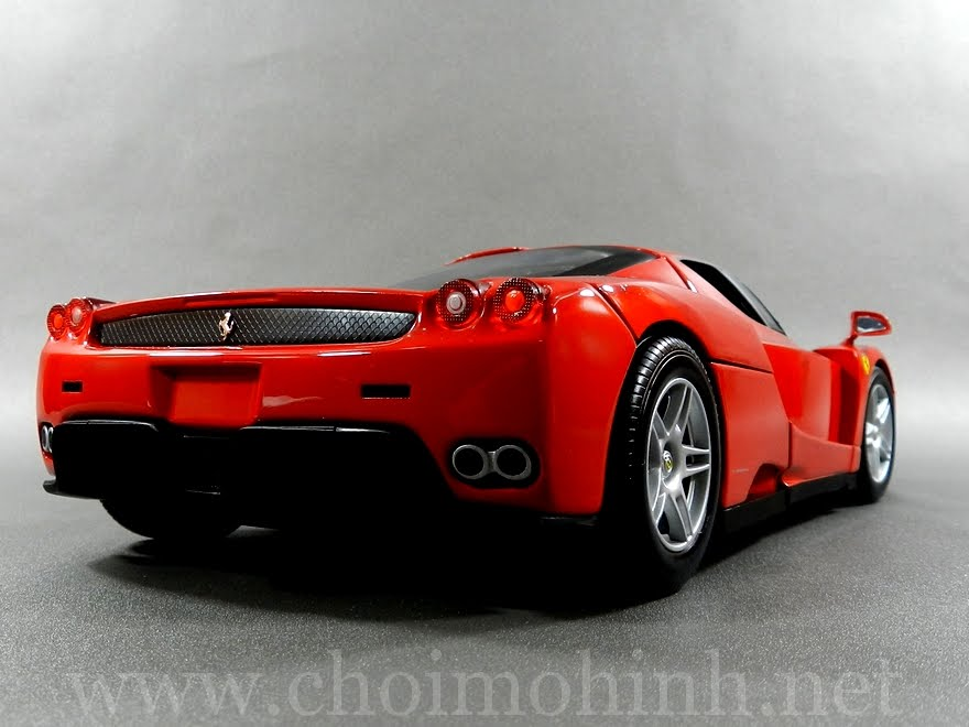 Ferrari Enzo 1:18 Hot Wheels back
