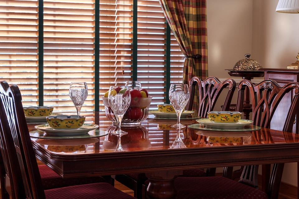 Desain Meja Makan Klasik Modern
