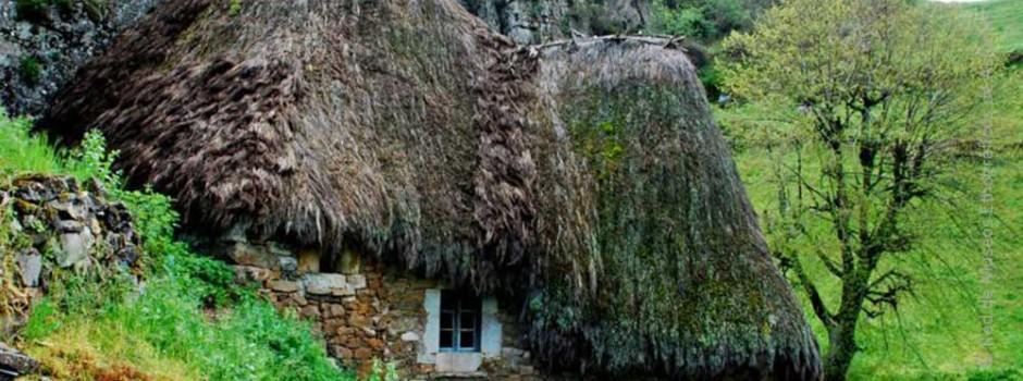 Casas de Teito de Somiedo