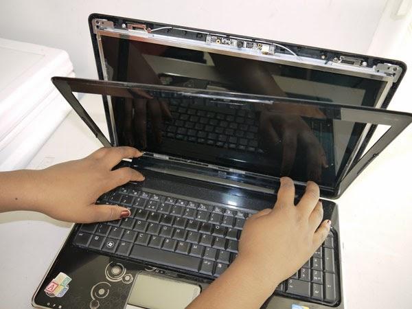 thay ban le laptop tai da nang