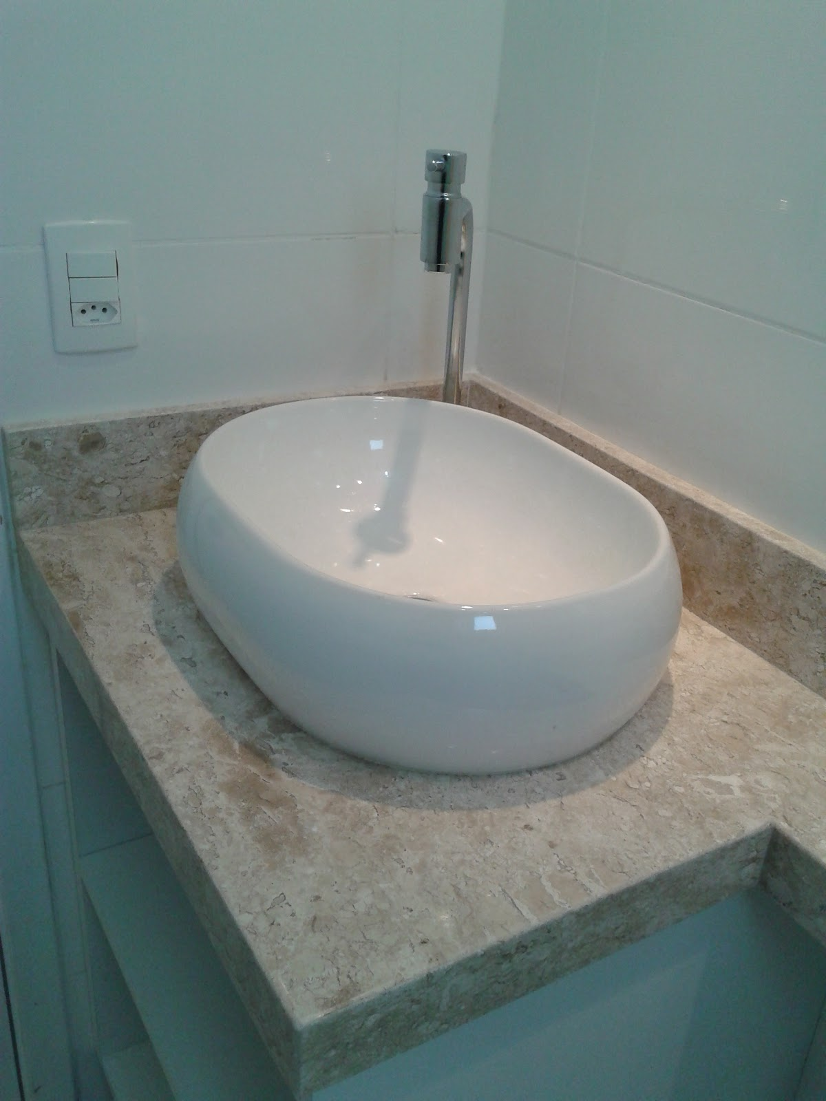 Meu primeiro Apartamento Banheiro com mármore instalado # Cuba Para Banheiro Deca Oval