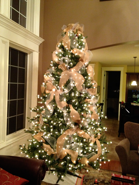 another view of my pretty burlap tree - Christmas Tree With Burlap