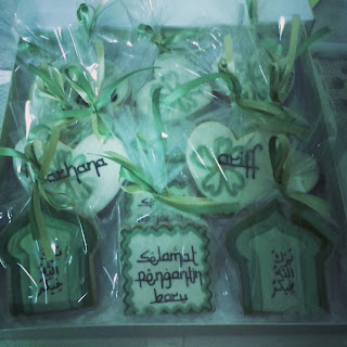 fancy cookies set hantaran islamic and green theme