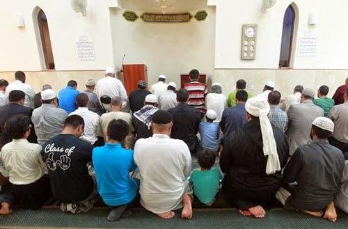 Non-Muslim di Florida nikmati juadah berbuka puasa di Masjid bersama Muslim