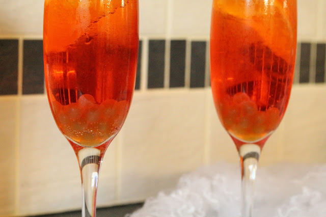 Halloween Cocktail Aperol Spritz