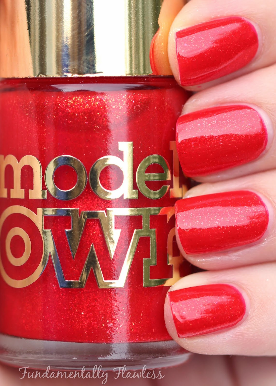 Models Own Diamond Luxe Heart Red Swatch