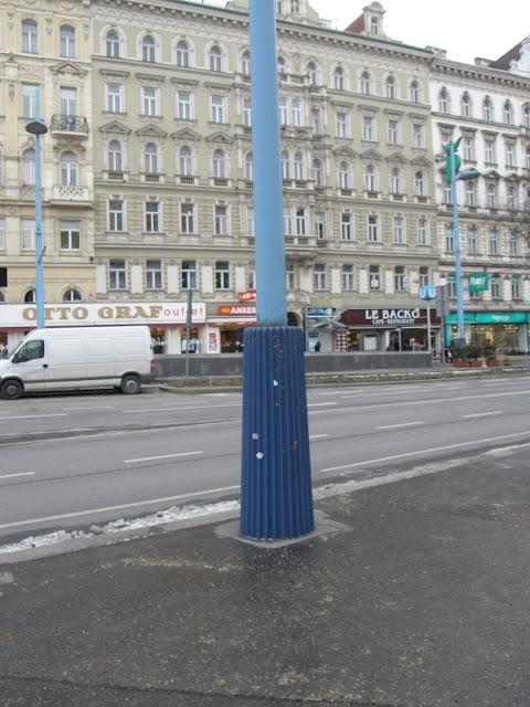 Wien, Vienna, Bécs, Austria, Mariahilferstrasse, Österreich, Mariahilfer Straße, vásárlóutca, Mahü, lámpaoszlop