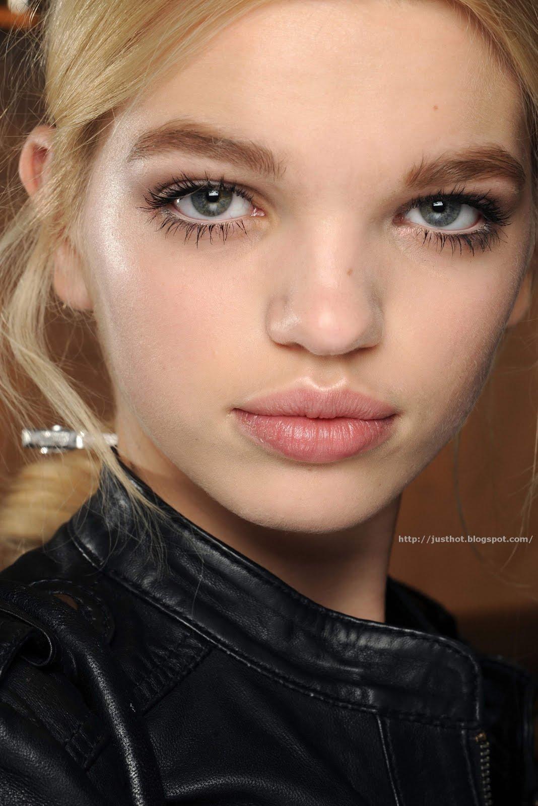 Как сделать макияж чтобы глаза казались большими фото