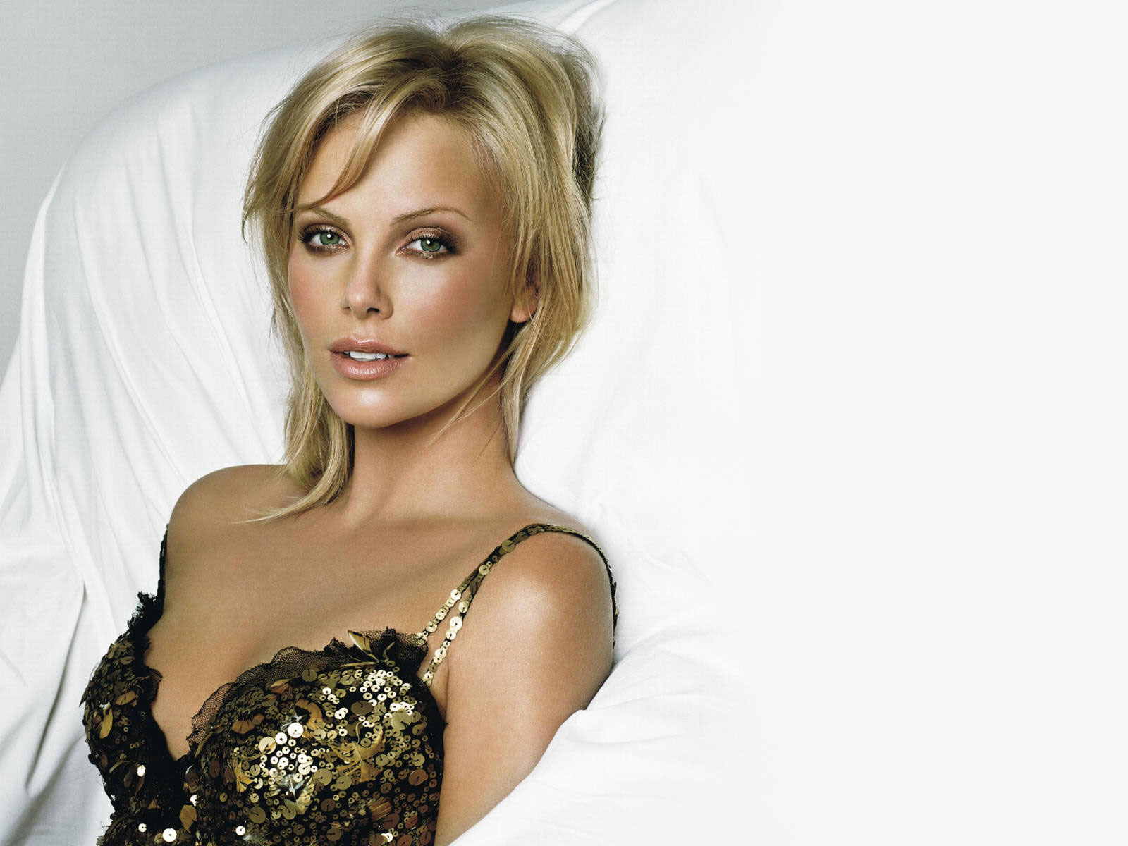 theron hottest looks Charlize