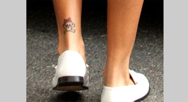 fashion celebrity 20 stylish rihanna tattoos. Black Bedroom Furniture Sets. Home Design Ideas