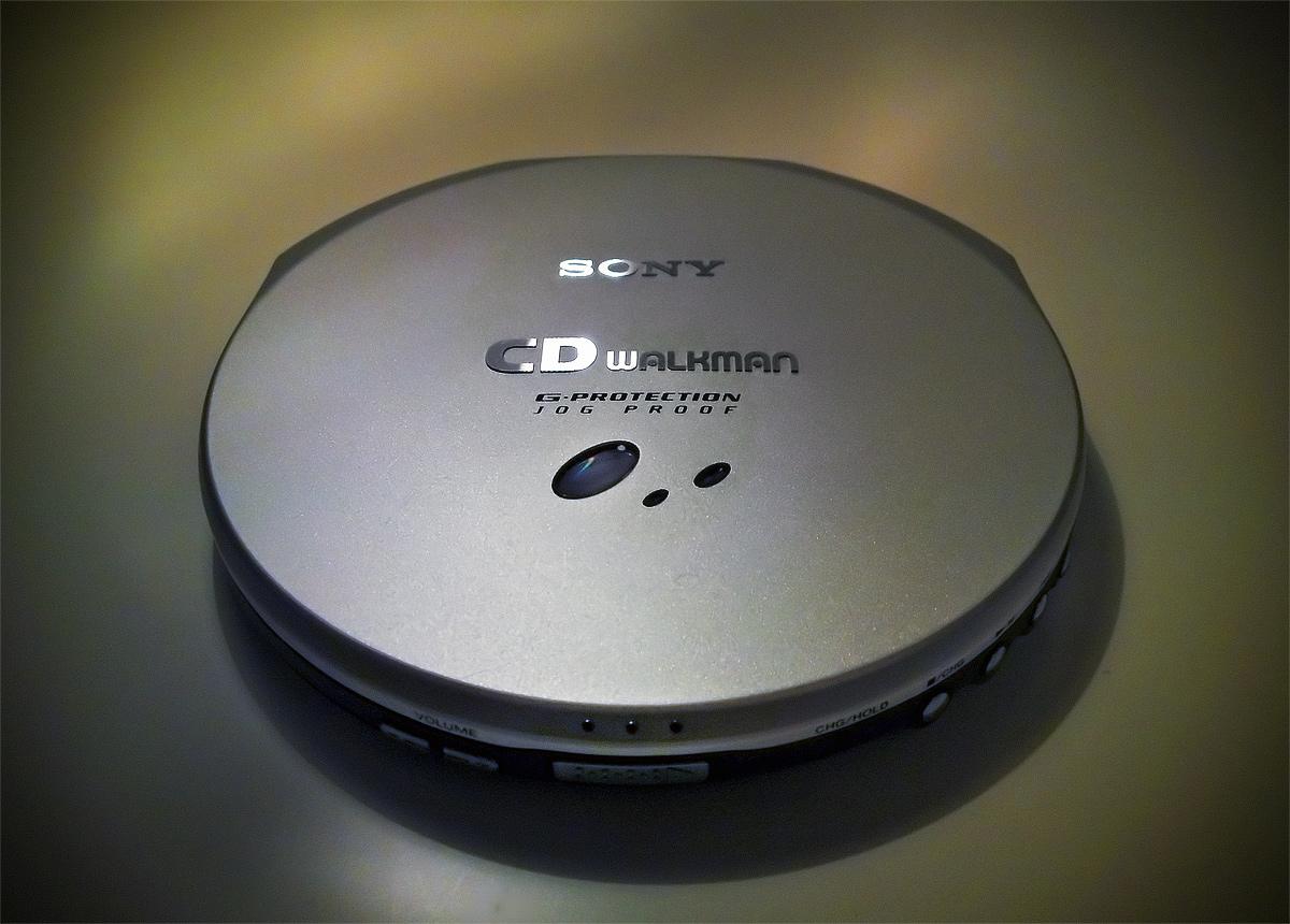 Sony D-EJ 915