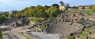 http://www.musees-gallo-romains.com/lyon_fourviere/sites_archeologiques