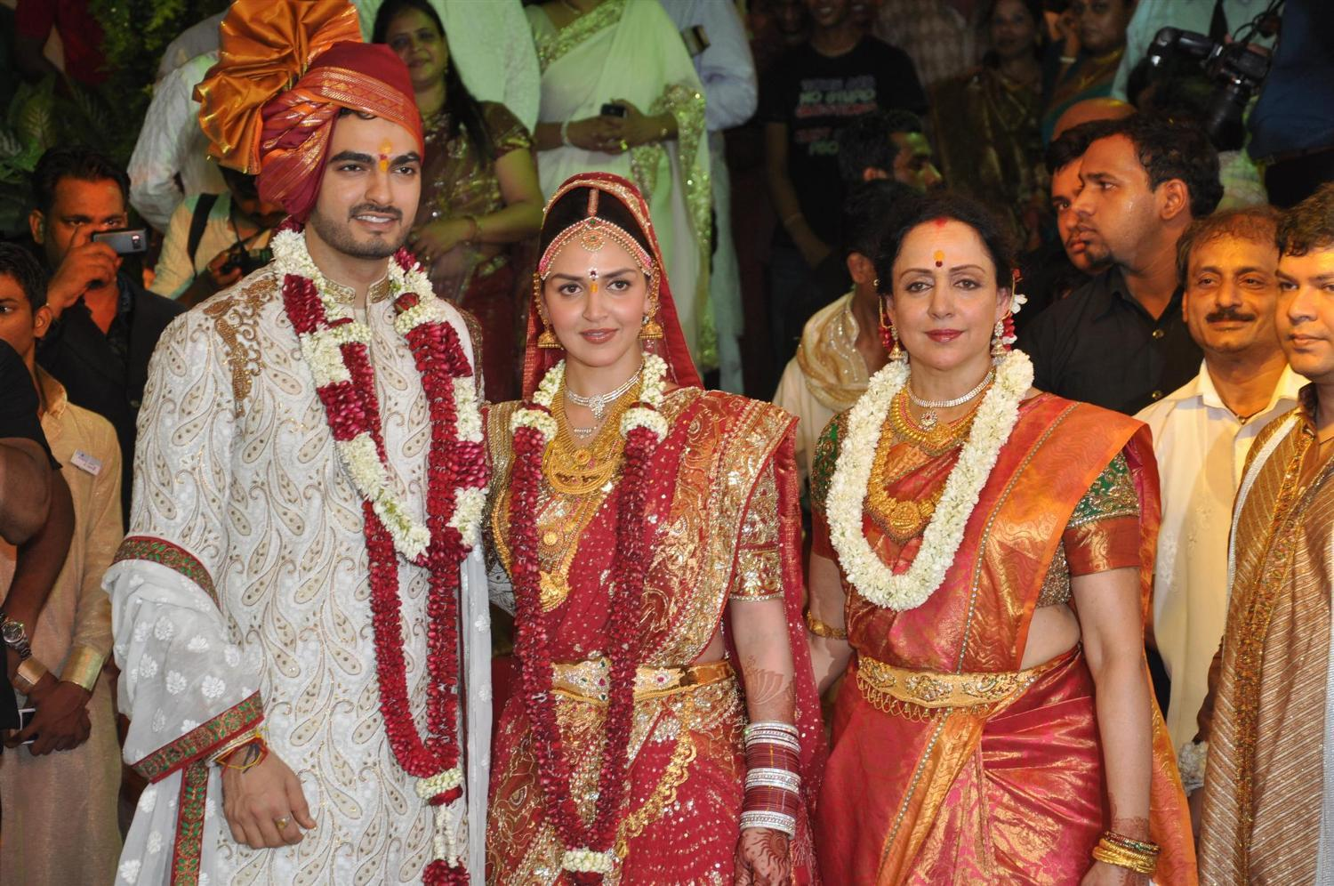 Wedding Pictures Of Bollywood Stars http://coolindiancinema.blogspot.com/
