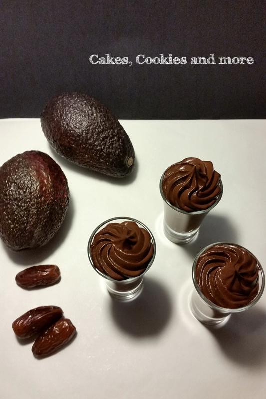 Veganes Schokoladenmousse mit Avocado