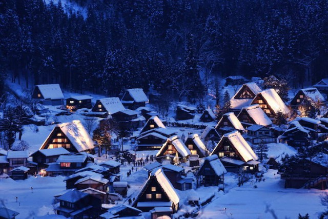 Gassho-zukuri Village in Shirakawa-go, Japan - 19 Breathtaking Photos Of Winter Wonderlands Around The World