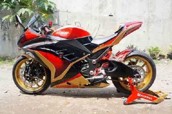 Modifikasi Kawasaki Ninja 250 Fi Merah