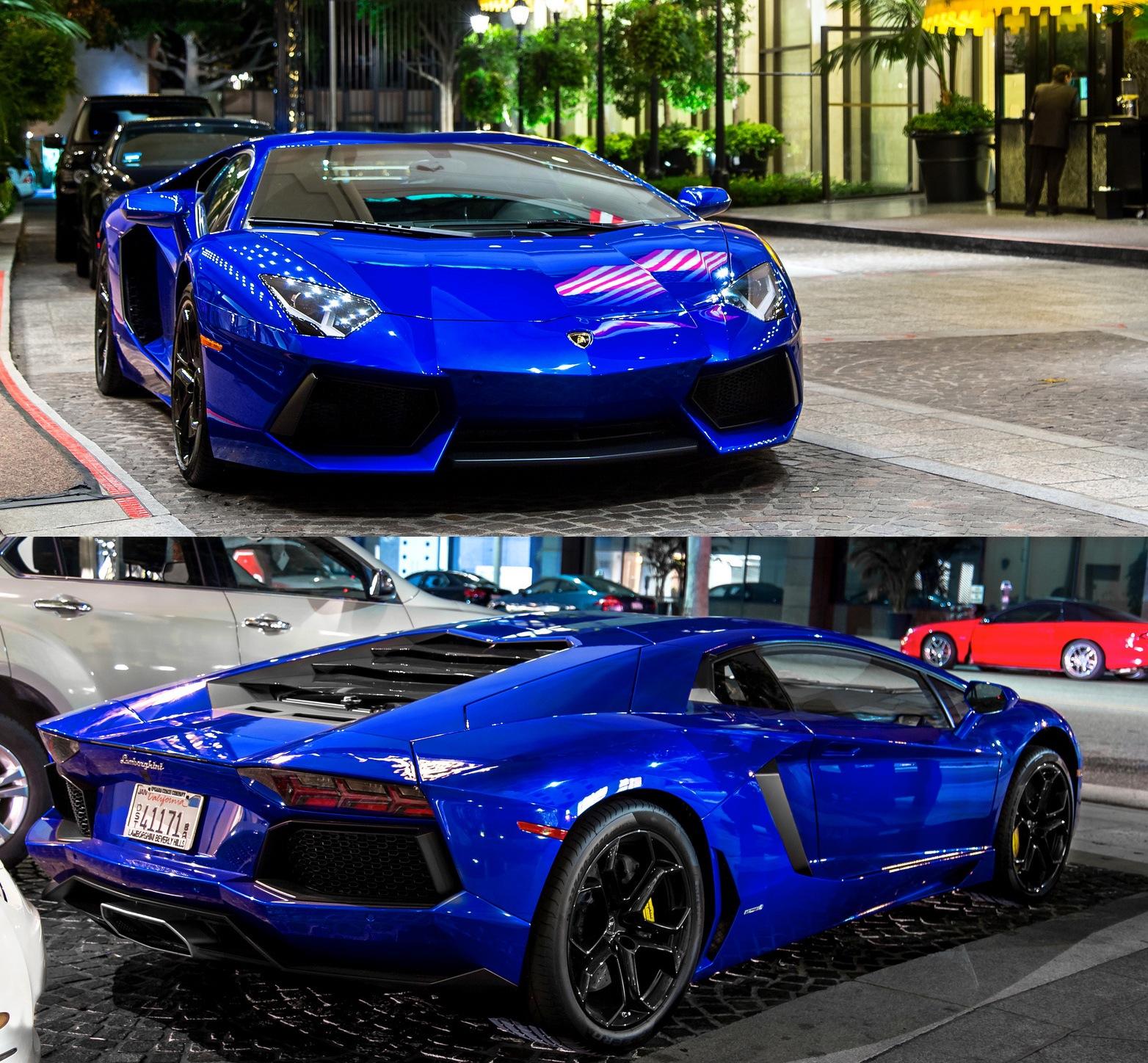 Blue Aventador