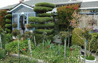 https://pixabay.com/en/california-garden-house-home-79085/