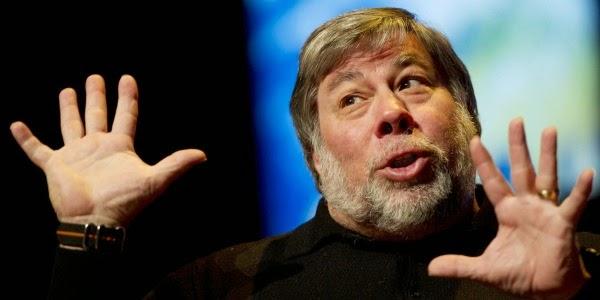 Steve Wozniak masih tercatat sebagai pegawai Apple