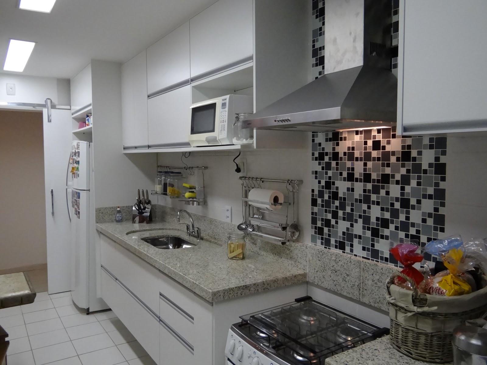 #815B4A terça feira 22 de janeiro de 2013 1600x1200 px Projeto De Cozinha Pequena Linear_4743 Imagens