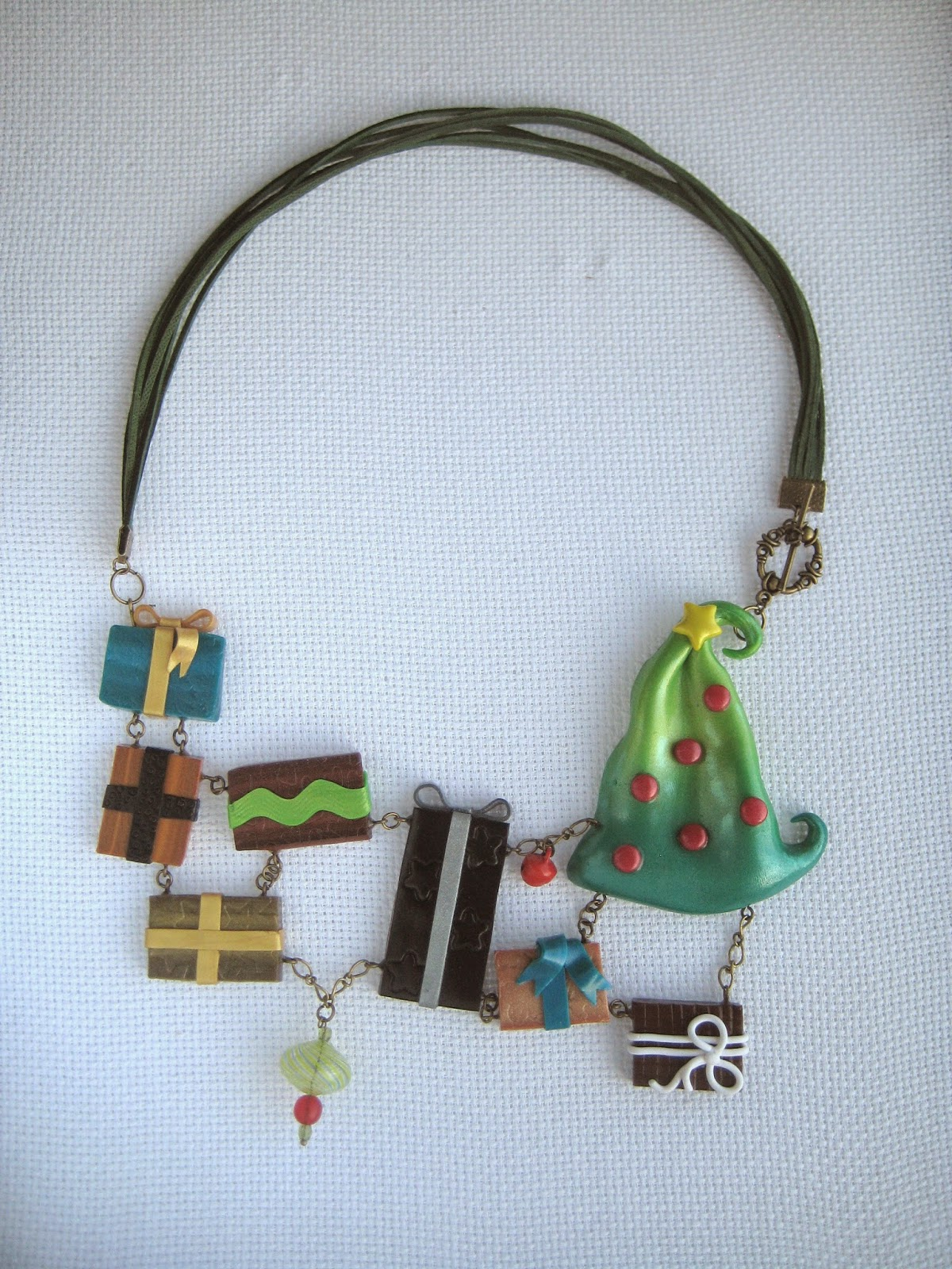 christmas , tree, gifts, necklace,