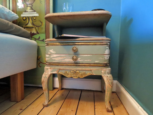 Fleamarket find vintage nightstand | www.stinap.com