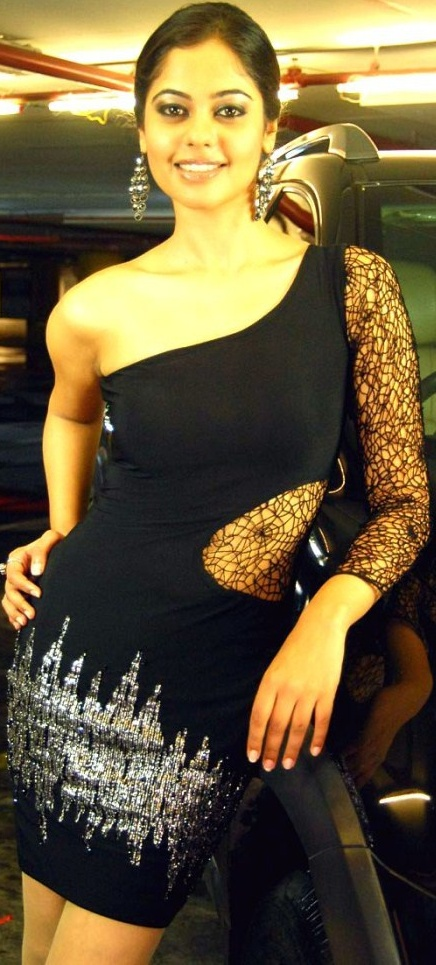 Bindhu Madhavi in Hot Black Dress