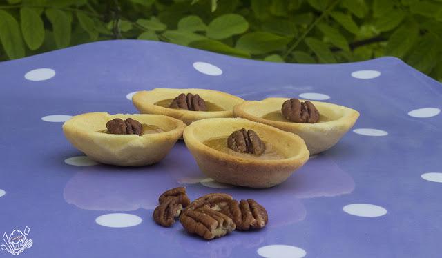http://danslacuisinedecharlottine.blogspot.fr/2015/06/tartelettes-caramel-au-beurre-sale-et.html