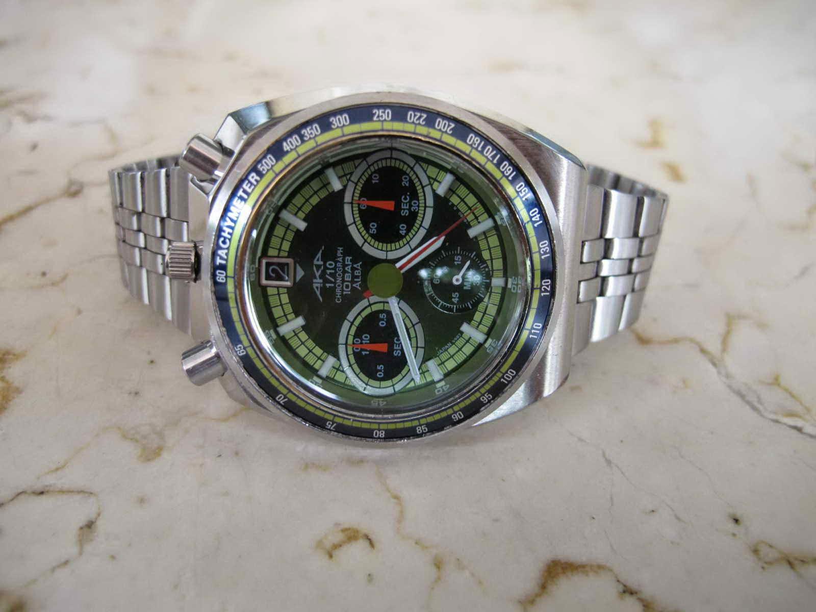 Fungsi chronograph detik jalan sempurna hanya saja chronograph menit sub dial tengah bawah tidak bergerak Cocok untuk Anda yang sedang mencari