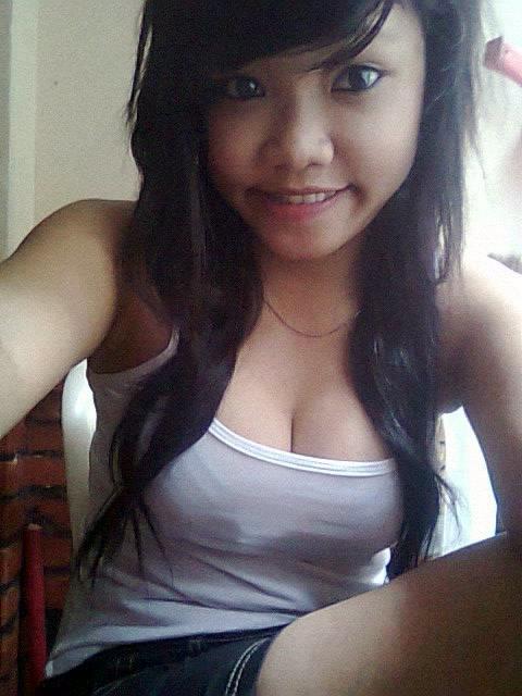Foto Hot Belahan Payudara Abg yang Menggoda Iman | www.novelremaja.com