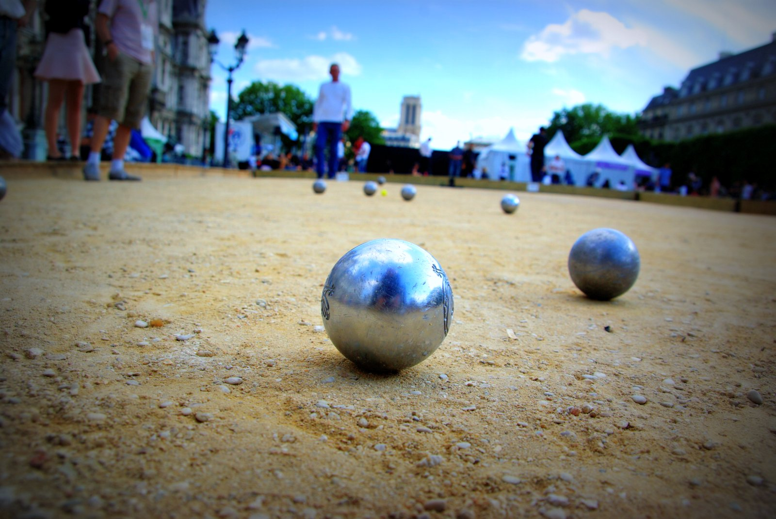Parisdailyphoto p tanque competition at hotel de ville for Reglement jeu de petanque