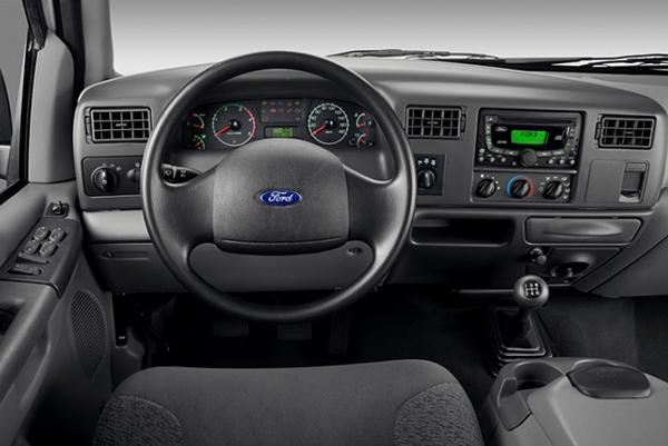 Ford F-250 Cabine simples - Interior com muito conforto