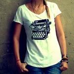 http://partners.webmasterplan.com/click.asp?ref=673914&site=5571&type=text&tnb=12&diurl=http%3A//de.dawanda.com/product/48945982-t-shirt-Schreibmaschine