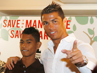 Cristiano Ronaldo Bersama Martunis