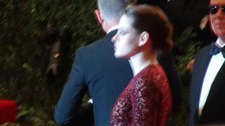Kristen Stewart - Imagenes/Videos de Paparazzi / Estudio/ Eventos etc. - Página 31 DSC01383