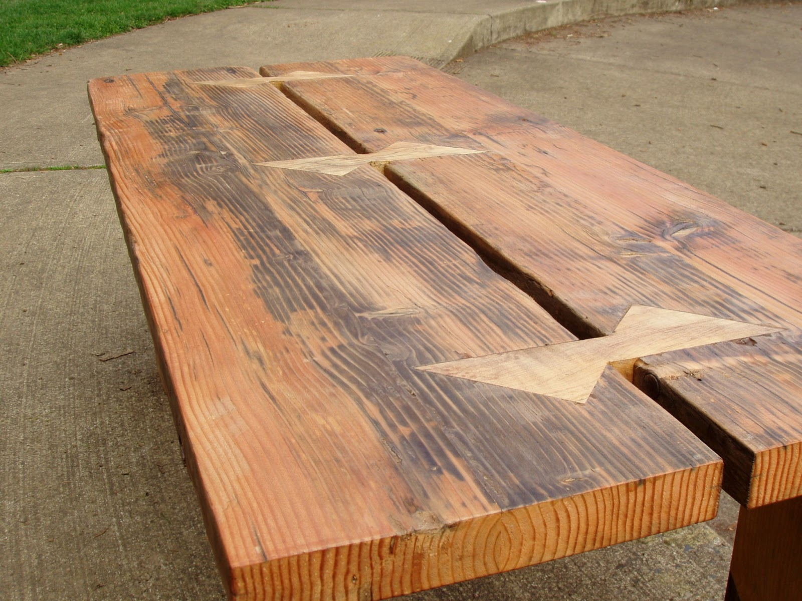 Charmant Reclaimed Wood Furniture.